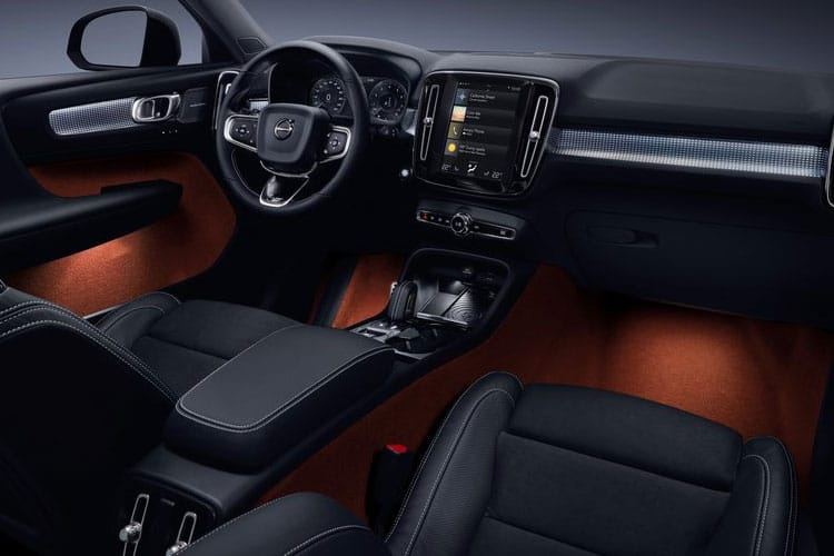 Volvo XC40 SUV 2.0 B4 MHEV 197PS R DESIGN Pro 5Dr Auto [Start Stop] inside view